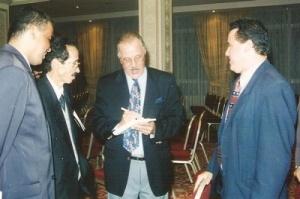 رفقة مدير جريدة الحدث بالرباط سنة 1996.jpg