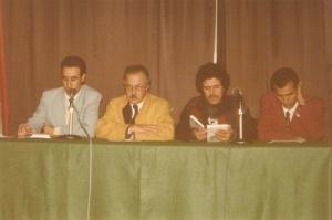 يوقع كتابه الانتخابات المغربية إلى أين بنادي الأسرة في الرباط سنة 1984.jpg