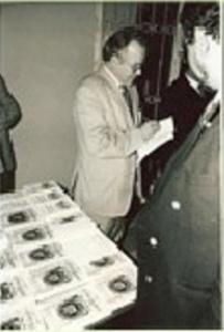 في حفل توقيع كتابه الحروفية و الحروفيون.jpg